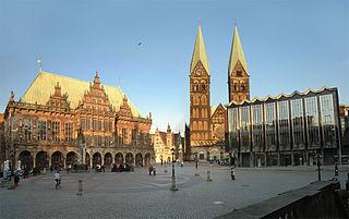 Hôtel de ville et la statue de Roland à Brême