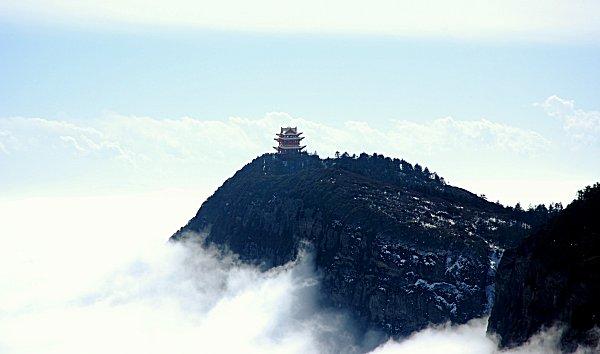 Paysage panoramique du Mont Emei