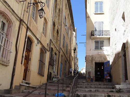 Montée des Accoules Marseille