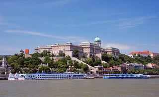 Budapest, avec les rives du Danube, le quartier du château de Buda et l'avenue Andrassy